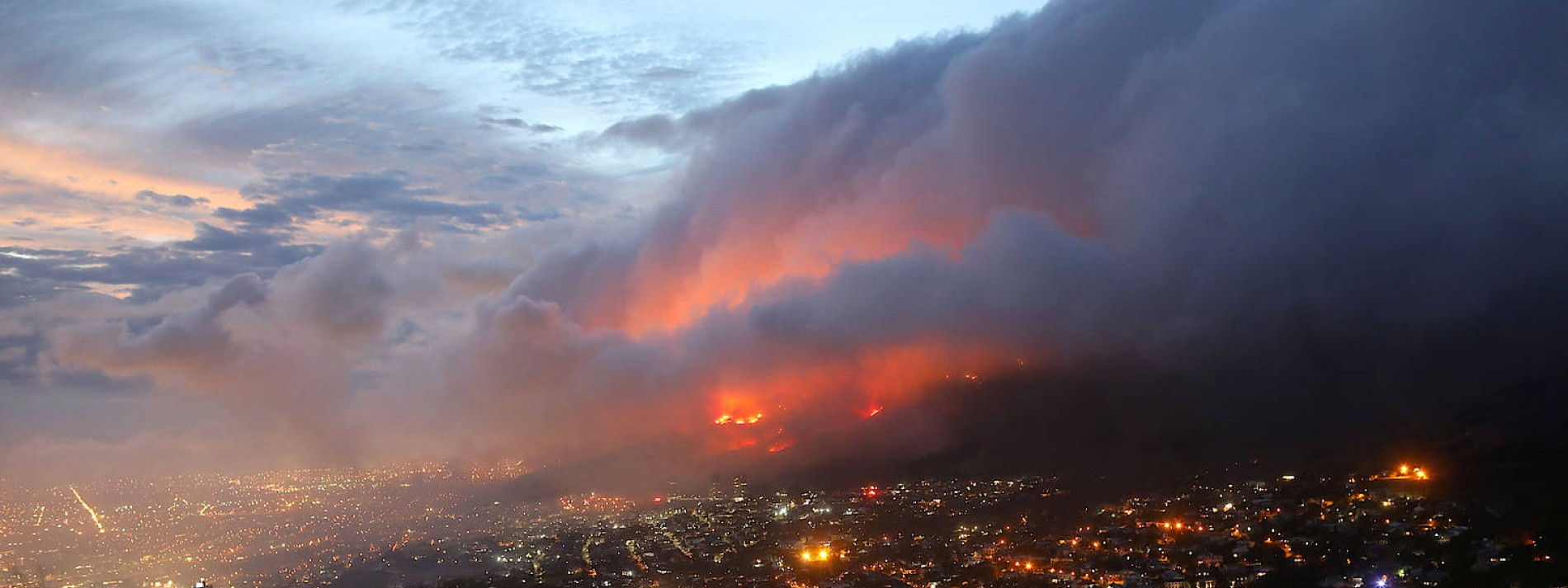 Flammen am Tafelberg zerstören Universität