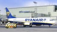 Billiger fliegen: Sogenannte Low-Cost-Carrier sollen wieder mehr Passagiere zum Frankfurter Flughafen locken.