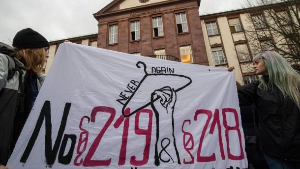 Bayern strikt gegen Legalisierung von Abtreibungswerbung