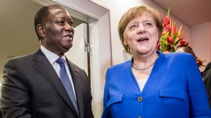 Merkel will gegen Sklaverei und Schlepper kämpfen