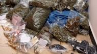 Polizei findet bei Razzien rund 40 Kilogramm Drogen