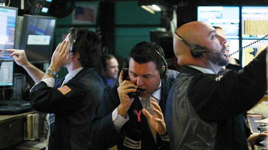 Händler an der Wall Street: Hektisches Kaufen und Verkaufen ist Privatanlegern nicht zu empfehlen.