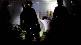 Neue Proteste in Hongkong schlagen in Gewalt um