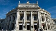 Das Burgtheater in Wien, aufgenommen am 05.10.2012