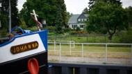 Die Havel bei Kilometer 32,65: Hier lebt das Ehepaar Wuttich in einem Schleusenwärterhaus