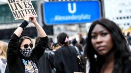 Viel mehr Teilnehmer als erwartet bei deutschen Demos gegen Rassismus