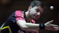 Souverän zieht Timo Boll in die zweite Runde des Herren-Einzel der Tischtennis-WM in Düsseldorf ein.
