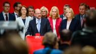 Schulz gibt sich nach Debakel in NRW kämpferisch