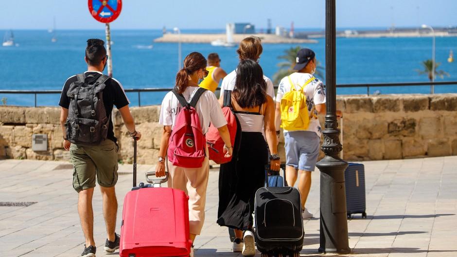 Eine deutsche Reisewarnung wäre ein schwerer Schlag für die Balearen, die wirtschaftlich stark vom Tourismus abhängig sind.