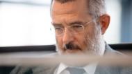 Stephan Kramer, Thüringer Verfassungsschutzchef, sieht die derzeit größte Gefahr im Rechtsextremismus.