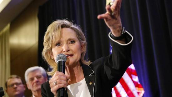 Republikanerin Hyde- Smith gewinnt