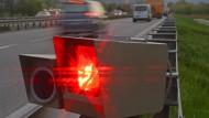 In der Schweiz ist ein deutscher Raser mit 122 km/h zu viel geblitzt worden (Archivbild).