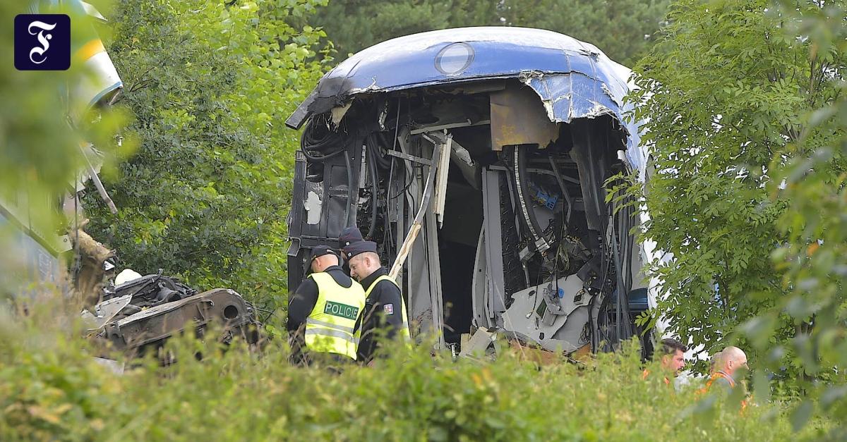 Zugunglück in Tschechien: Tote und Verletzte nach Kollision