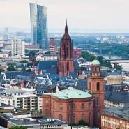 Frankfurt von oben – und die Europäische Zentralbank im Blick.