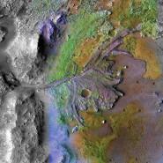 Spuren urzeitlicher Wassermassen: Der Perseverance-Rover soll im Flussdelta des Jezero Kraters nach Spuren von Leben suchen.