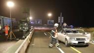 Einstürzende Schilder-Brücke tötet Autofahrer auf A3