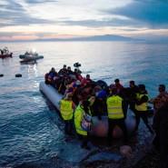 Flüchtlinge auf der Insel Lesbos: Kurz meint, dass die Flucht die Starken bevorzuge – den Schwachen sei damit nicht geholfen.