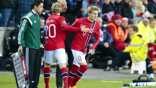 Ødegaard schreibt Geschichte