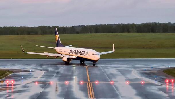 Internationale Luftfahrtorganisation untersucht Ryanair-Zwangslandung