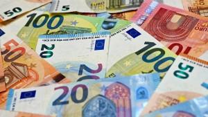 Wohin jetzt nur mit all dem in der Krise gebunkerten Bargeld?