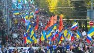 Tausende demonstrieren in Moskau für Frieden