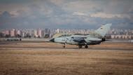 Ein Tornado der Bundeswehr startet im Januar 2016 vom Luftwaffenstützpunkt in Incirlik aus.