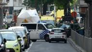Ausnahmezustand in Lüttich: Polizisten haben die belgische Innenstadt komplett abgesperrt.