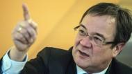 Der stellvertretende CDU-Chef Armin Laschet fordert Konsequenzen der Spitzelaffäre.