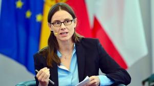 Staatssekretärin Suder verlässt Verteidigungsministerium