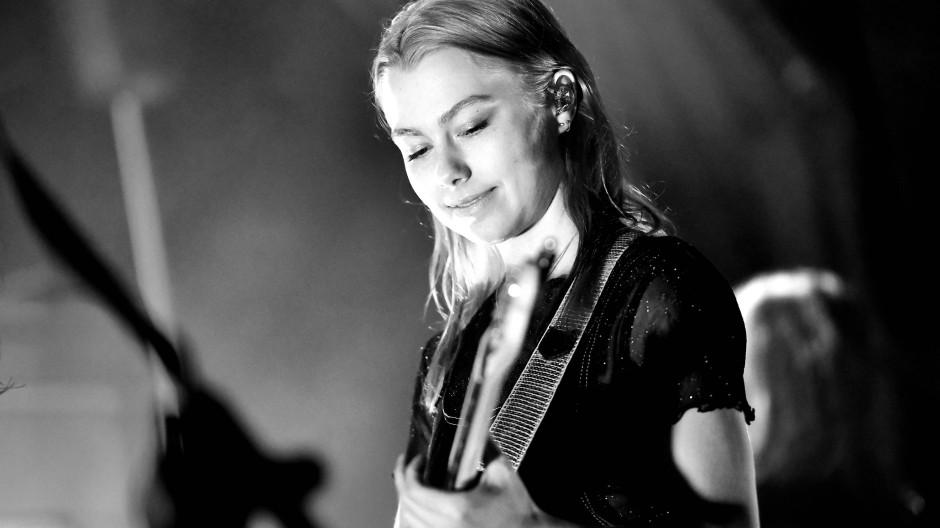 Irgendwas mit Pelikanen: Phoebe Bridgers hat nichts dagegen, dass ihre Songtexte entschlüsselt werden
