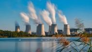 Noch dampft es im Revier: das Lausitzer Braunkohlekraftwerk Jänschwalde