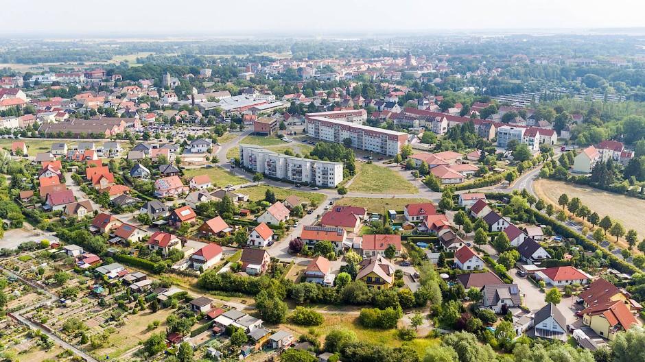 Eilenburg in Sachsen: Wer eine Immobilie verkaufen will, muss sich entscheiden, ob er mit einem Makler arbeitet oder nicht.