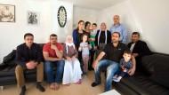 Familie Mirza gehört dem yezidischen Glauben an und lebt seit vielen Jahren in Offenbach.