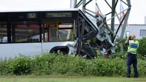 21 Verletzte bei Busunfall