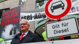 """Umwelthilfe prangert """"Monster-SUV"""" an"""