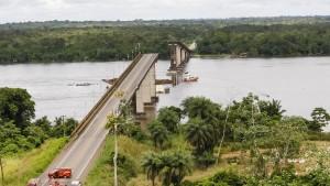 Brücke in Brasilien eingestürzt
