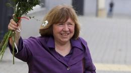 Swetlana Alexijewitsch verlässt Belarus