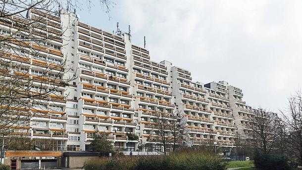 Dortmund räumt riesigen Hochhauskomplex