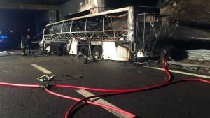 16 Menschen sterben bei Busunglück in Italien