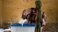 Im westafrikanischen Mali haben am Sonntag die ersten demokratischen Wahlen seit dem Militärputsch vom vergangenen Jahr begonnen.