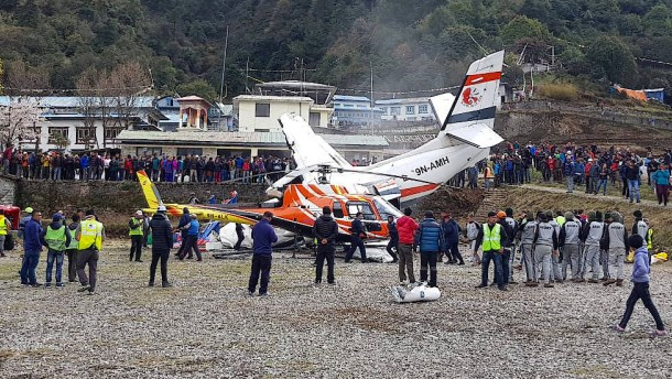 Drei Tote bei Flugzeugunglück nahe Mount Everest