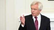 Brexit-Minister David Davis hält einen Verbleib Großbritanniens im europäischen Binnenmarkt für unwahrscheinlich