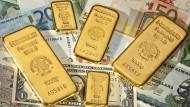 Deutsche sparen zur Vorsorge