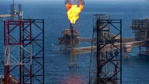 Tropensturm Isaac bedroht Ölplattformen