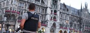 Höchste Sicherheitsvorkehrungen am Freitagabend auf dem Münchner Marienplatz