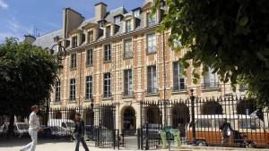Explodierender Brief verletzt Frau in Pariser IWF-Büro