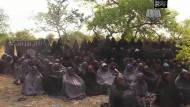 Mehr als 170 Frauen und Kinder entführt