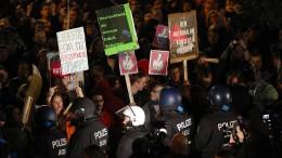 Heftige Proteste vor AfD-Wahlparty