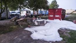 Einsatzkräfte in Hessen von mehreren Angreifern attackiert