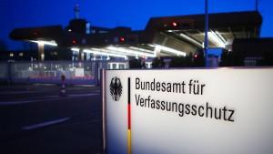Früherer Chef von Neonazi-Gruppe war angeblich V-Mann